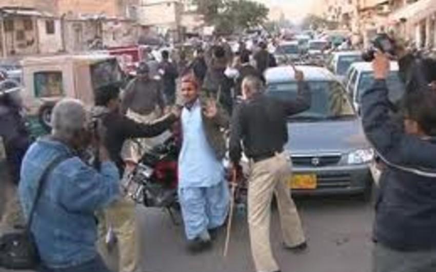 Pakistanda polislə nümayişçilər arasında toqquşmalar baş verib