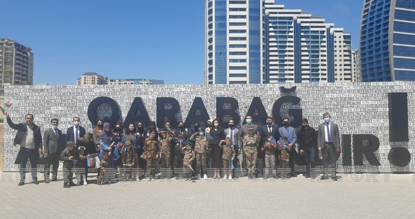 Члены семей шехидов посетили Парк военных трофеев