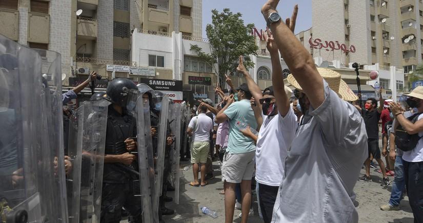 Tunisdə siyasi böhran dərinləşir
