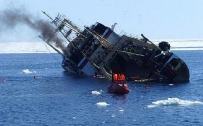 Dalni Vostok balıqçı gəmisindən xilas olunanları Yujnı-Saxalinsk xəstəxanasına çatdırıblar