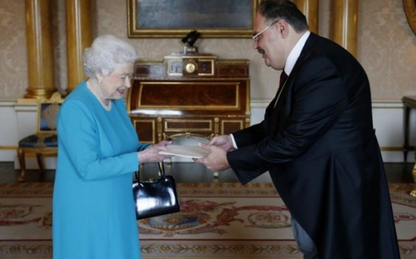 Kraliça II Elizabet: Azərbaycanla Britaniya arasında dinamik tərəfdaşlığın inkişaf edəcəyinə əminəm