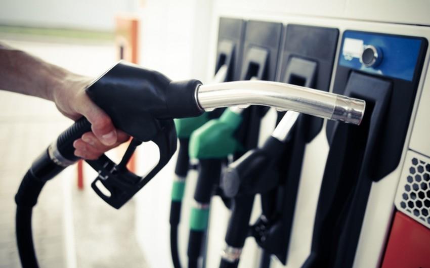 С завтрашнего дня в Азербайджане повышаются цены на бензин