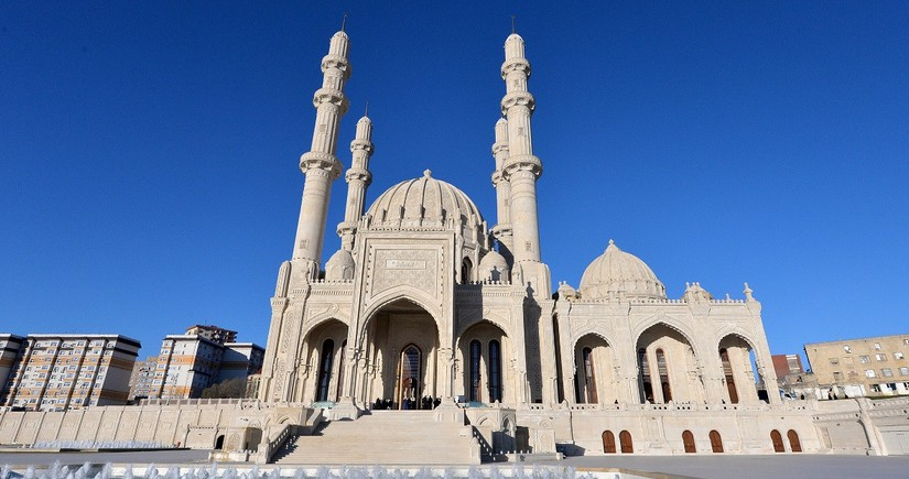 Assistant to President: We cannot open mosques now