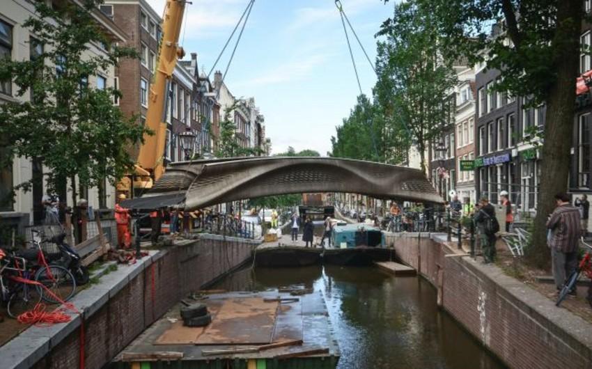 Установлен первый в мире стальной мост, распечатанный на 3D-принтере