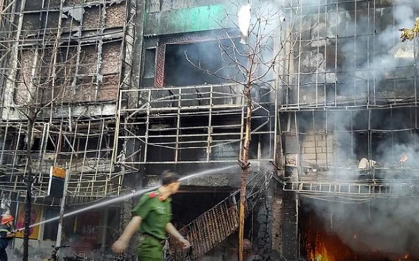 Жертвами пожара в караоке-баре в столице Вьетнама стали 13 человек