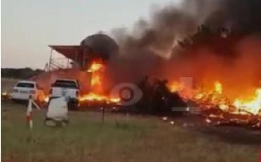 Botsvanada pilot həyat yoldaşını öldürmək üçün təyyarəni öz evinə çırpıb - VİDEO - FOTO