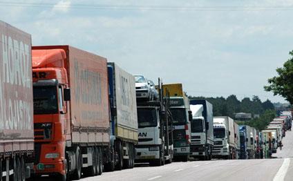 Транзит турецких грузовых автомобилей через Азербайджан в этом году вырос в 7 раз