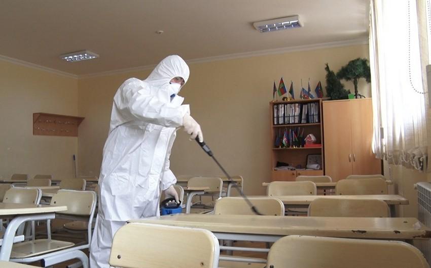 Bakı məktəblərində koronavirusa qarşı dezinfeksiya işləri aparılır - VİDEO