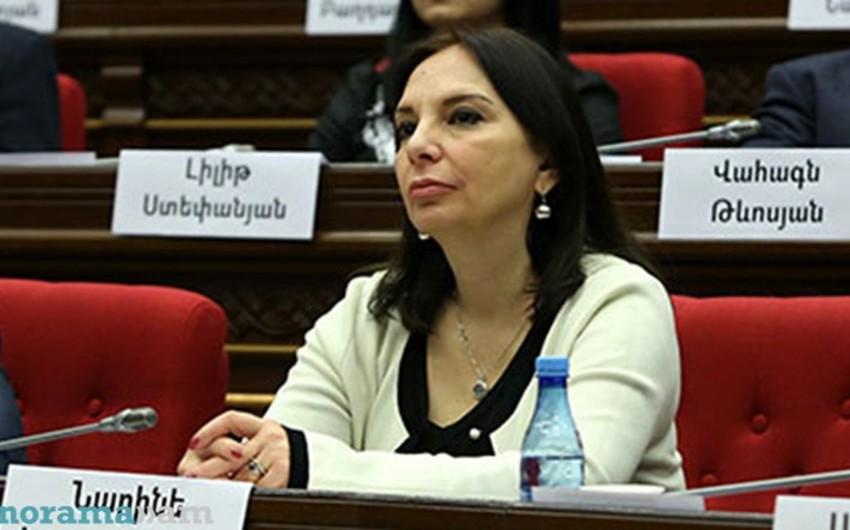 Nikol Paşinyanın partiyasından olan deputat mandatdan imtina edib