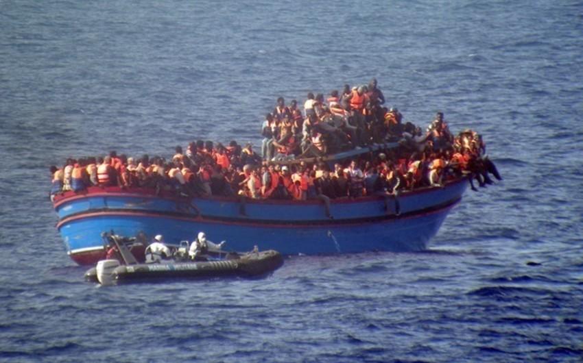 Aralıq dənizində miqrantları daşıyan gəmi batıb, 30 nəfər ölüb