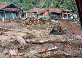 Jakarta evacuates residents due to floods