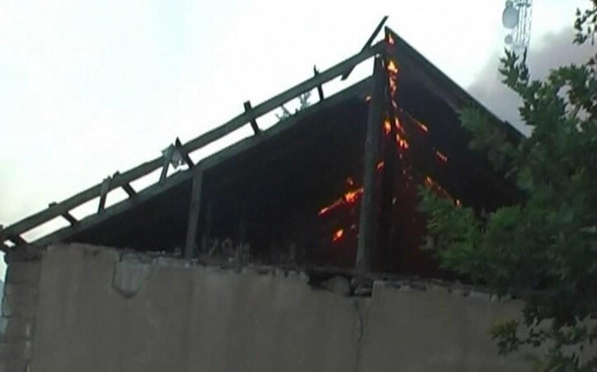 Salyanda fərdi yaşayış evi yanıb