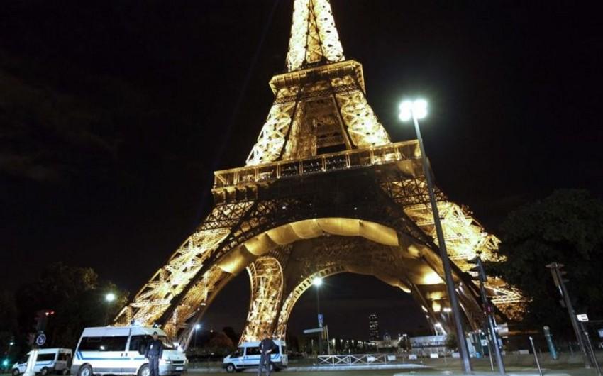 Parisdə Eyfel qülləsinin ziyarətçiləri təxliyə edilib