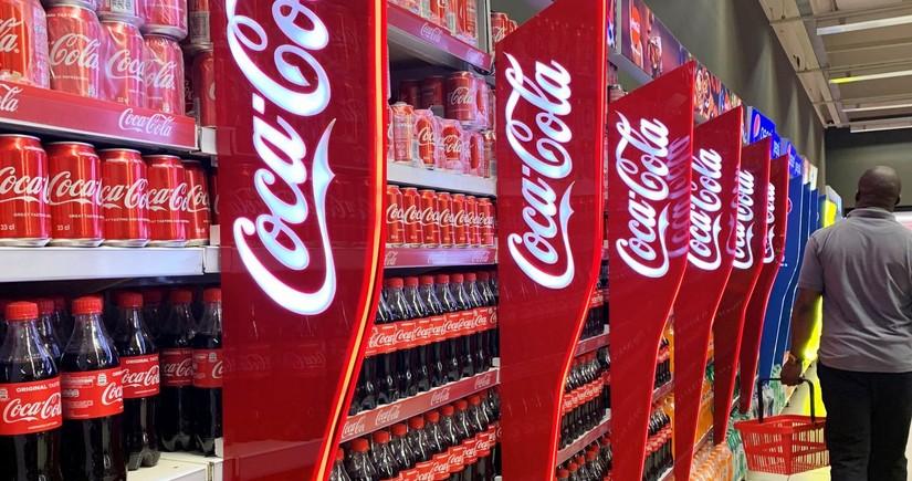 Coca-Cola bir çox brendlərini bağlayır