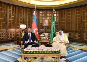Ilham Aliyev extends holiday greetings to King of Saudi Arabia
