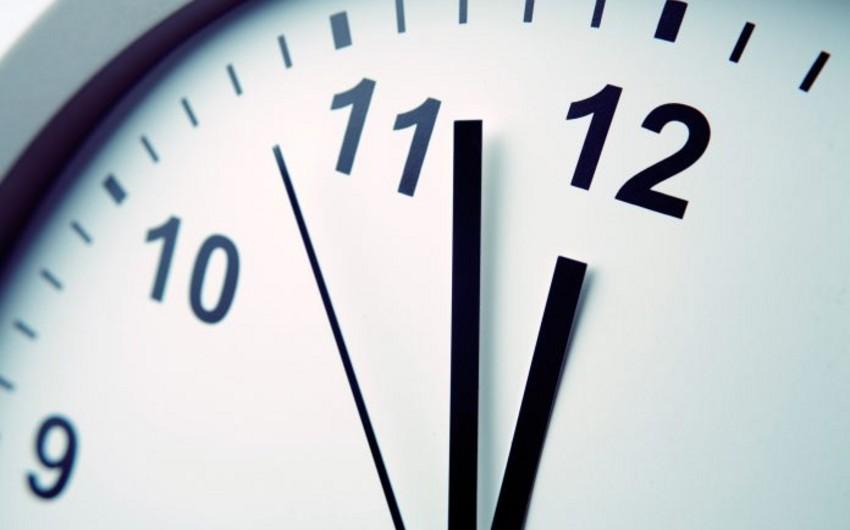 Эксперт: Проблемы с переводом часов связаны с тем, что устройства не обновляются
