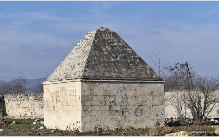 Dini konfessiya rəhbərləri Ağdamda Qarabağ xanlarının abidələrini ziyarət edib