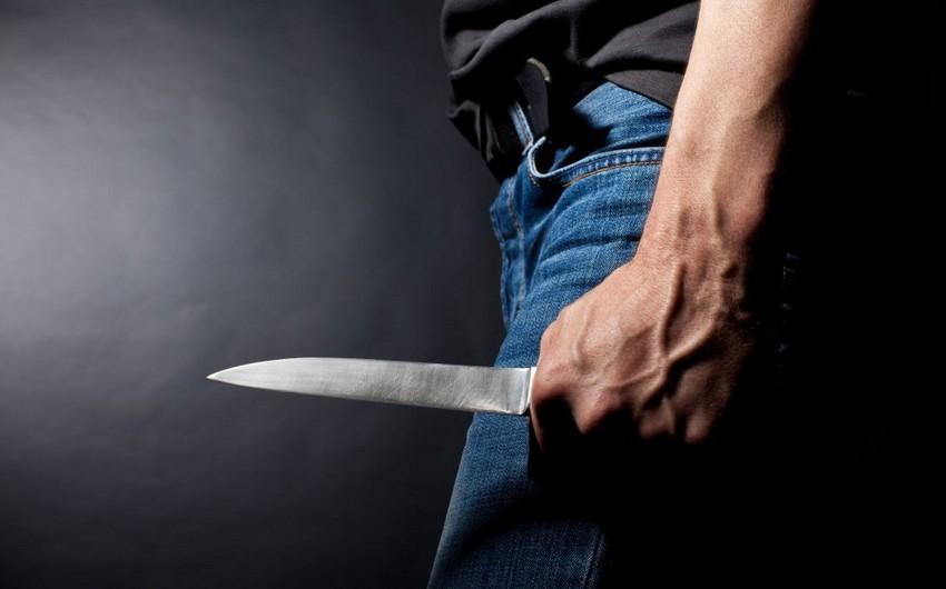 Gəncədə kişi qohumunu bıçaqlayıb