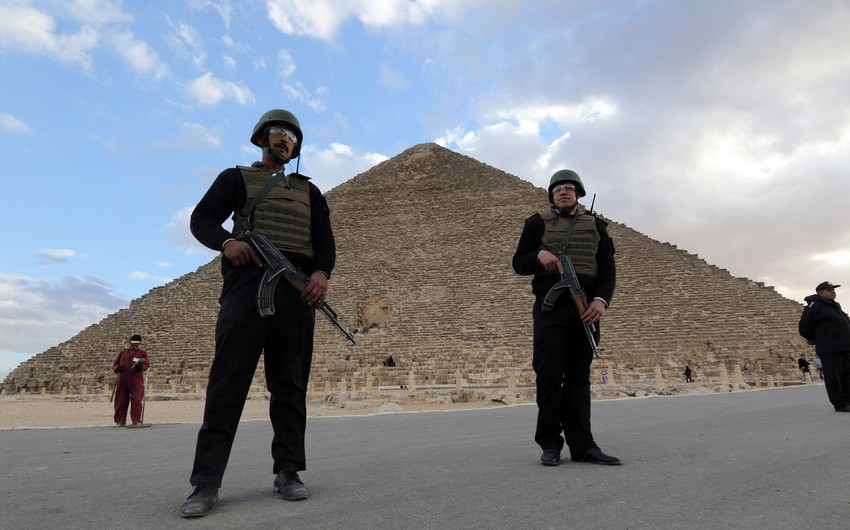 Misirdə silahlıların hücumu nəticəsində 3 polis əməkdaşı öldürülüb, 5-i yaralanıb