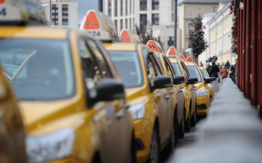 Bakıda 150 taksi dayanacağının təşkili üzrə işlər aparılır