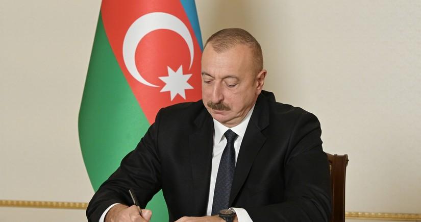 Prezident Dövlət Xidmətinə yeni rəis təyin edib - TƏRCÜMEYİ-HAL
