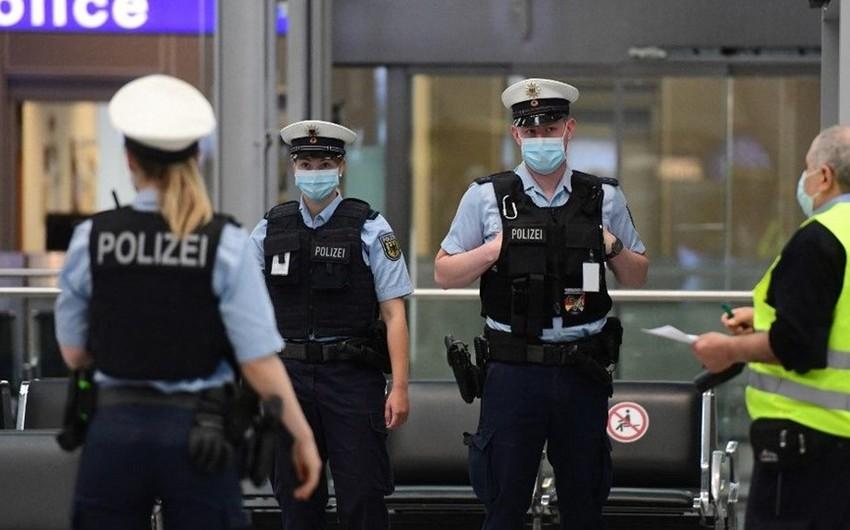 Almaniyada hava limanında bıçaqlı hücum olub, bir nəfər yaralanıb
