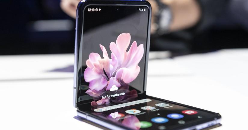 Proqnoz: Qatlanan ekranlı mobil telefon bazarı hər il 53% böyüyəcək