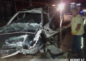В Гахе автомобиль врезался в стену, есть пострадавшие