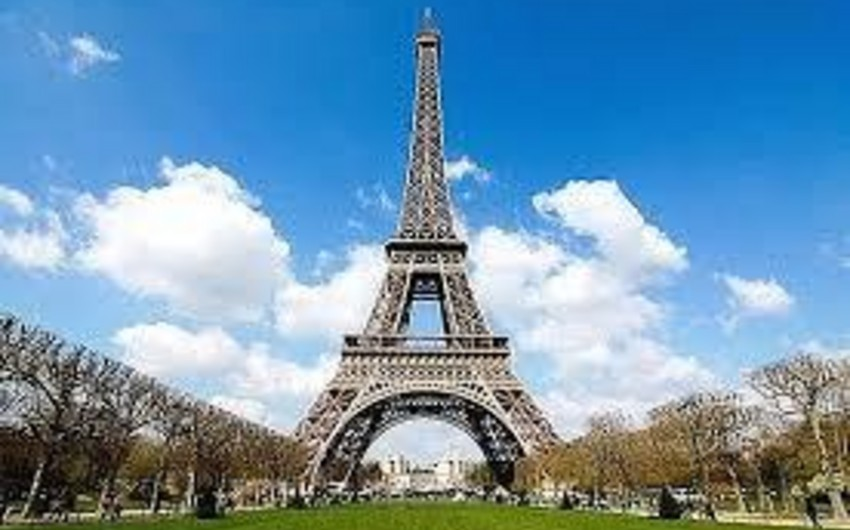 Fransada tətilə görə Eyfel qülləsi bağlanıb