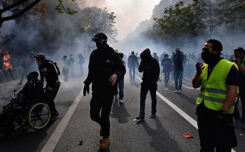 На акции желтых жилетов один из демонстрантов лишился глаза - ВИДЕО