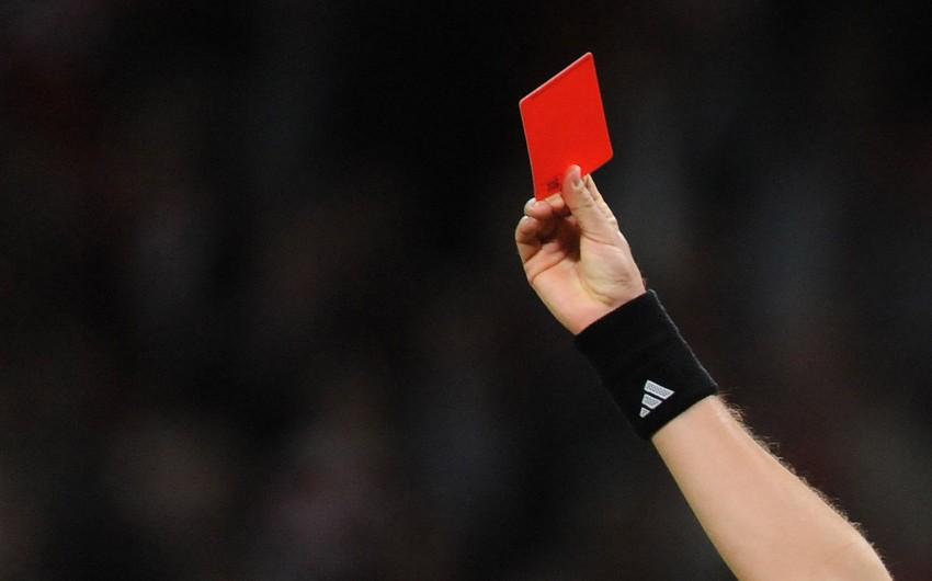 Футболист получил красную карточку на 9-ой секунде