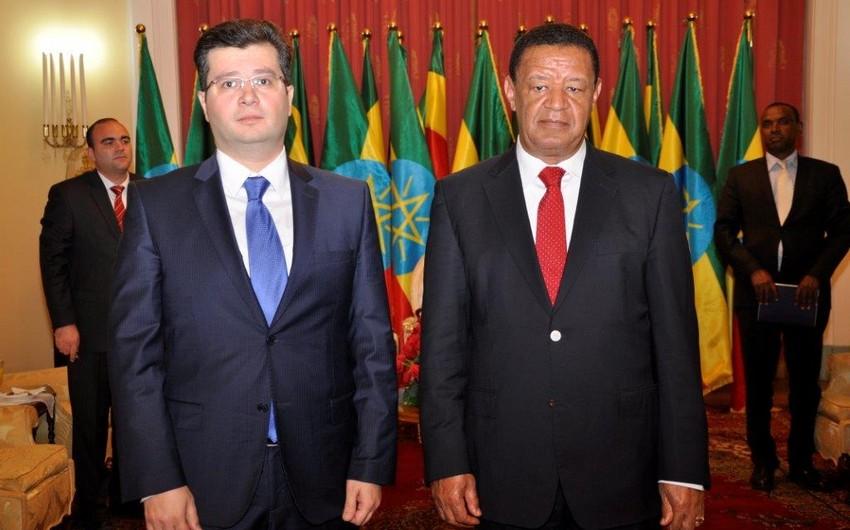 Səfir Elman Abdullayev etimadnaməsini Efiopiya prezidentinə təqdim edib