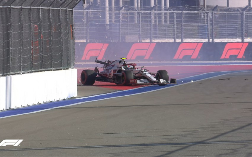 Formula 1: Rusiya Qran-prisində qəza baş verib