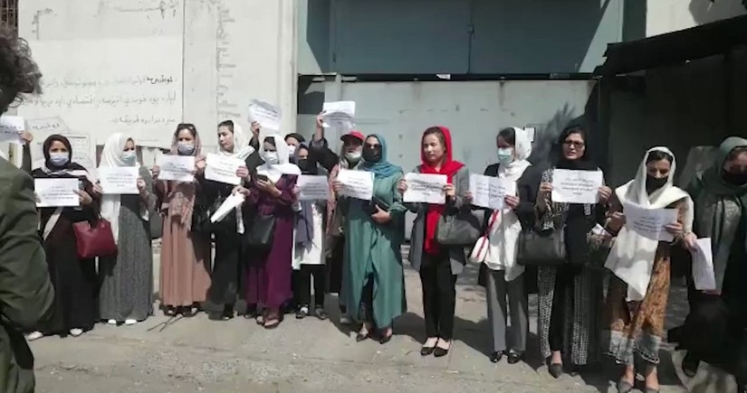 Women protest in Kabul