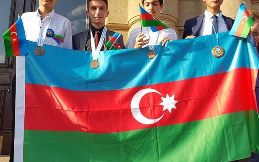 Azərbaycanlı şagirdlər beynəlxalq olimpiadada 3 medal qazanıblar