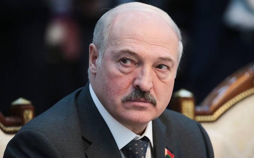 Lukaşenko 9 May Qələbə Paradını təxirə salmaq istəmir