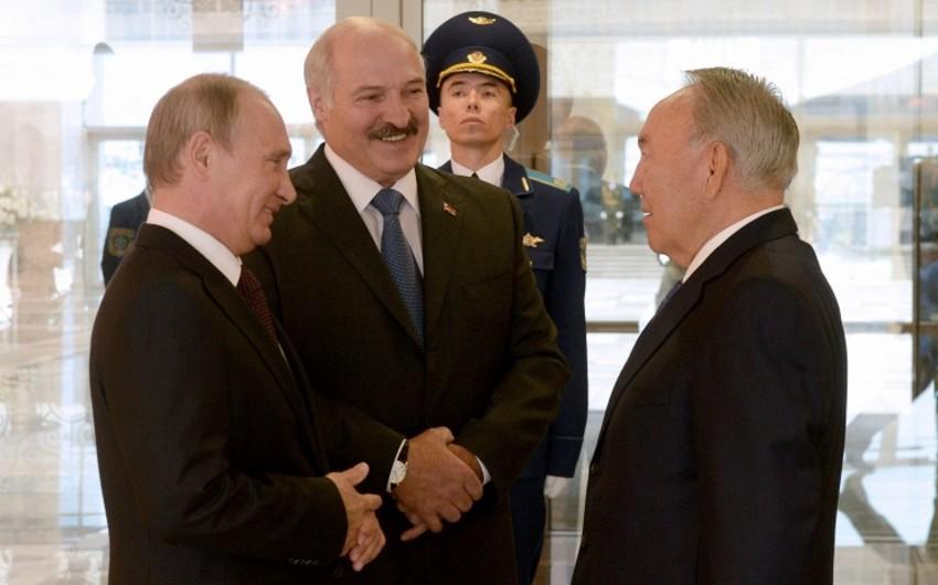 Vladimir Putin Qazaxıstana səfər edib