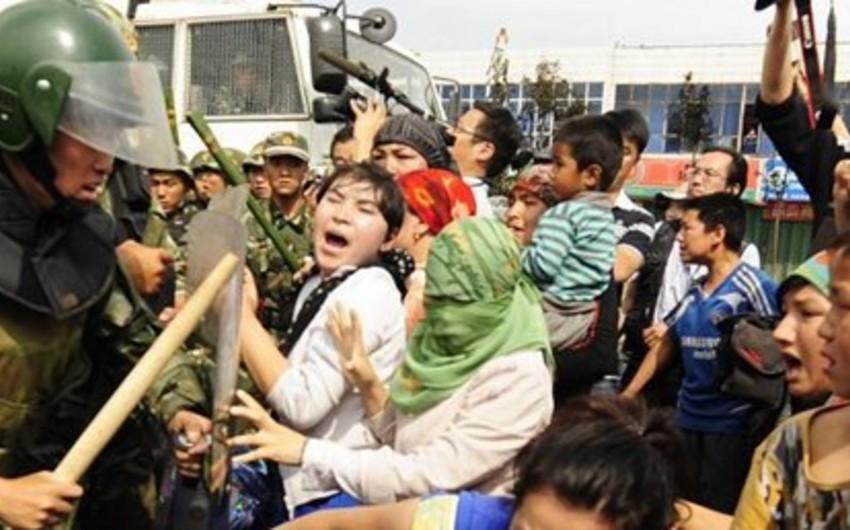 Çin polisi 18 uyğuru öldürüb