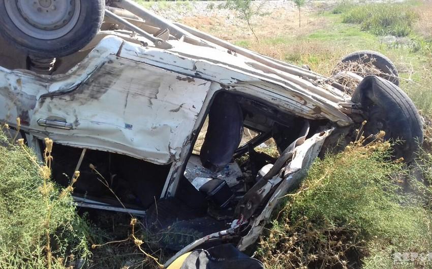 Hacıqabulda Mercedes aşıb 5 nəfər ağır yaralanıb - VİDEO - YENİLƏNİB