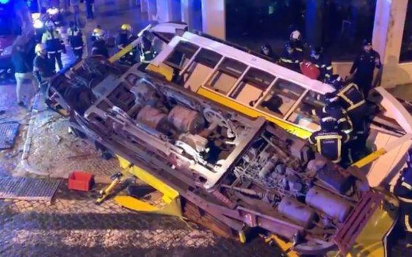 Lissabonda tramvay qəzası zamanı 28 nəfər xəsarət alıb - FOTO