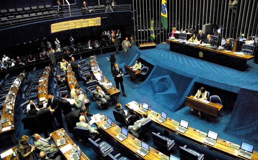 Braziliyada nümayişçilər parlamentin iclas zalına daxil olublar