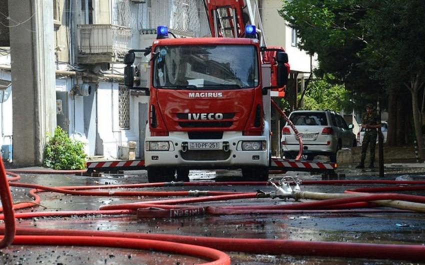 В Лянкяране сгорел жилой дом на две семьи, есть пострадавший