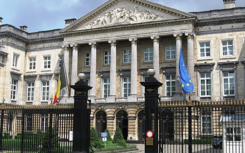 Belçika Parlamentinin binasında olanlar təxliyyə edilir