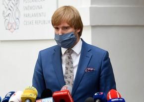Глава минздрава Чехии подал в отставку из-за пандемии COVID-19