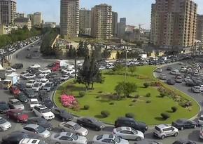 В Баку возникли пробки на ряде улиц и проспектов