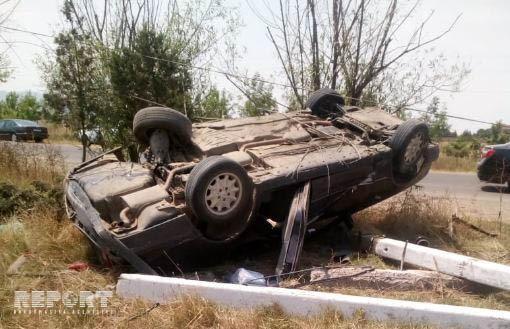 Masallıda maşın yoldan çıxaraq aşıb, 4 nəfər yaralanıb - FOTO - YENİLƏNİB