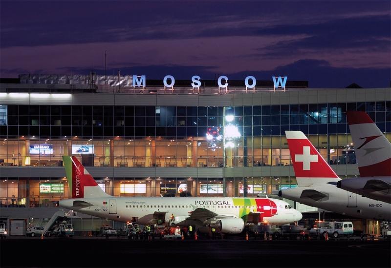 Московские аэропорты изменили график более 300 рейсов из-за снегопада