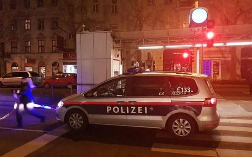 Vyanada küçədə bıçaqla 4 nəfəri yaralayan şəxs saxlanılıb - YENİLƏNİB