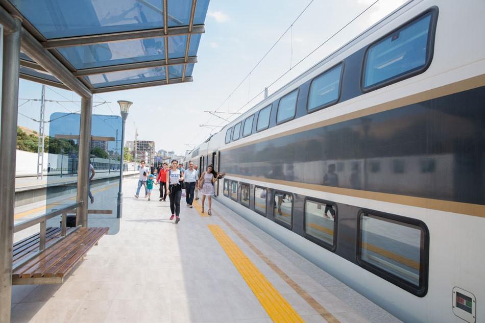 Азербайджанские железные дороги перевезли около 25 тыс. пассажиров в праздничные дни