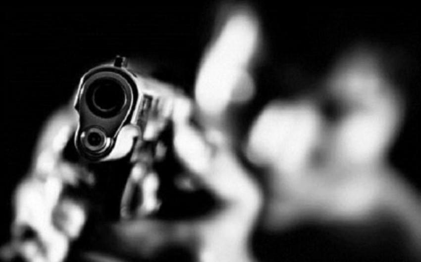 Rusiya XİN-in əməkdaşı iki nəfəri güllələyəndən sonra intihar edib